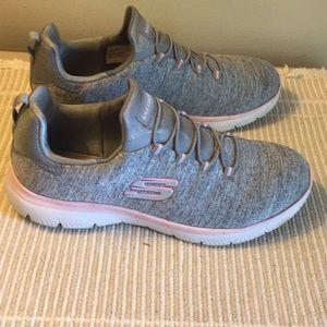 Skechers gray pink size 7